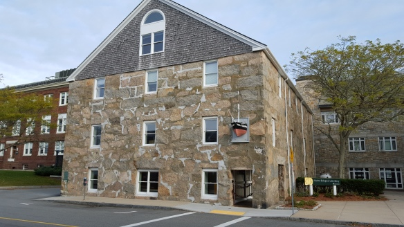 woods-hole-stone-building